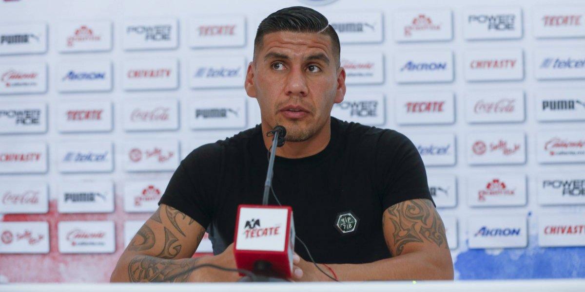 Carlos Salcido se va dolido de Chivas y por problemas con Cardozo