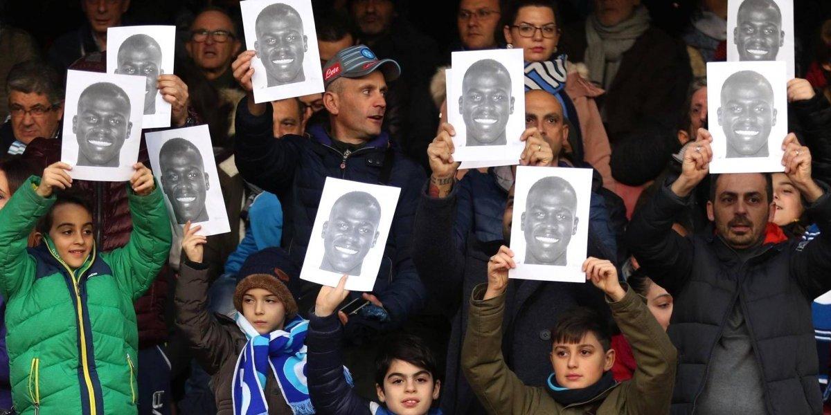 Afición y jugadores del Napoli muestran apoyo a Koulibaly tras ser víctima de racismo
