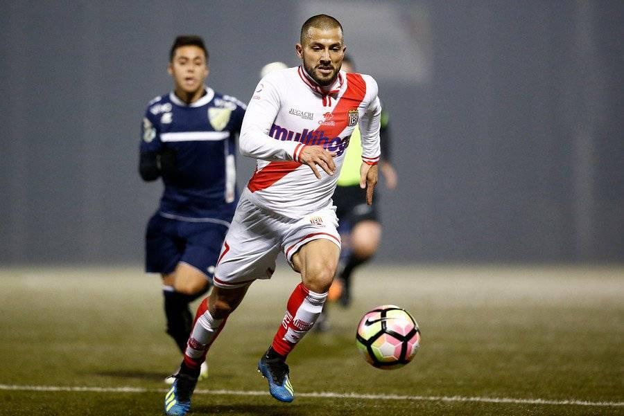 Sebastián Zúñiga, de buen 2018 en Curicó Unido, reforzará a Unión La Calera / Foto: Photosport