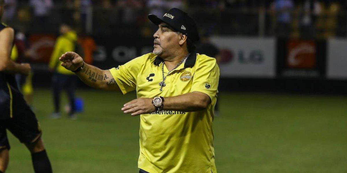 Maradona todavía luce los colores de los Dorados