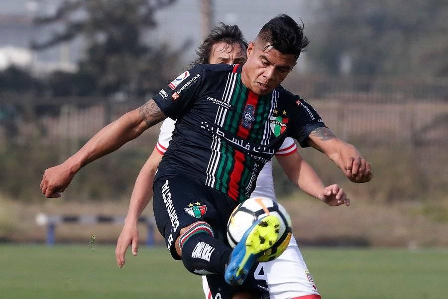 Benjamín Vidal tendrá una nueva oportunidad en la UC tras su préstamo en Palestino / Foto: Photosport