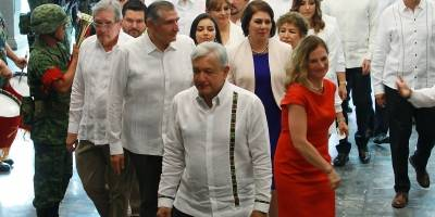AMLO atestiguó la toma de protesta del nuevo gobernador de Tabasco