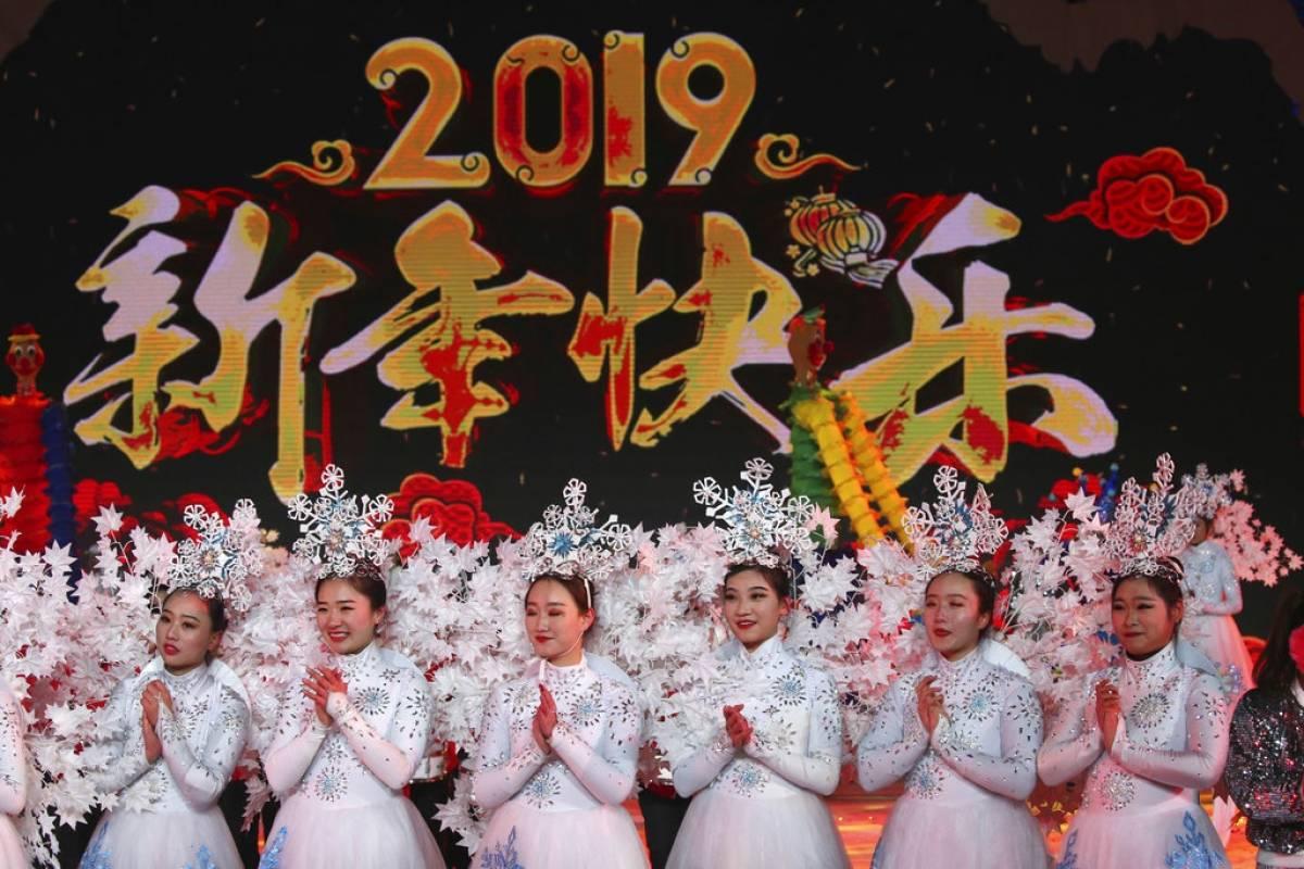Aunque se festeja un Año Nuevo chino, este 31 de diciembre miles de chinos festejan Foto: AP