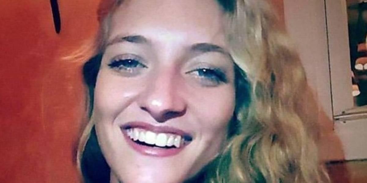 Usaba Facebook en el baño y su beba murió ahogada: podrían condenarla
