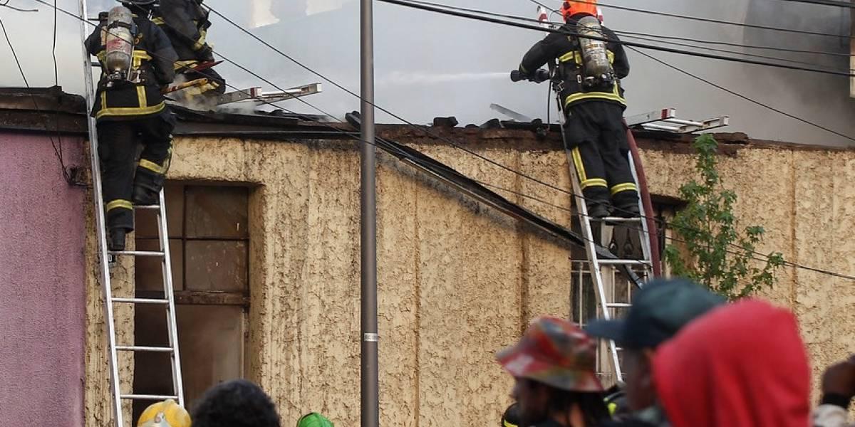 Incendio en Colina dejó en la calle a 92 personas: la mayoría era migrantes dominicanos que lo perdieron todo