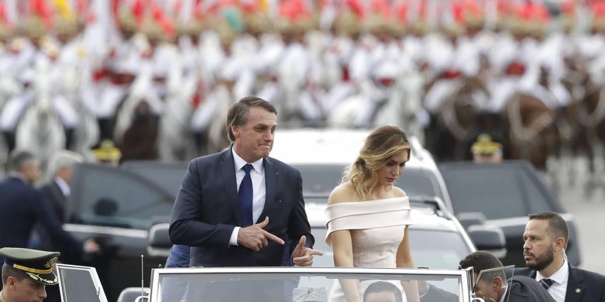 Bolsonaro asume el poder en Brasil entre esperanzas y temores