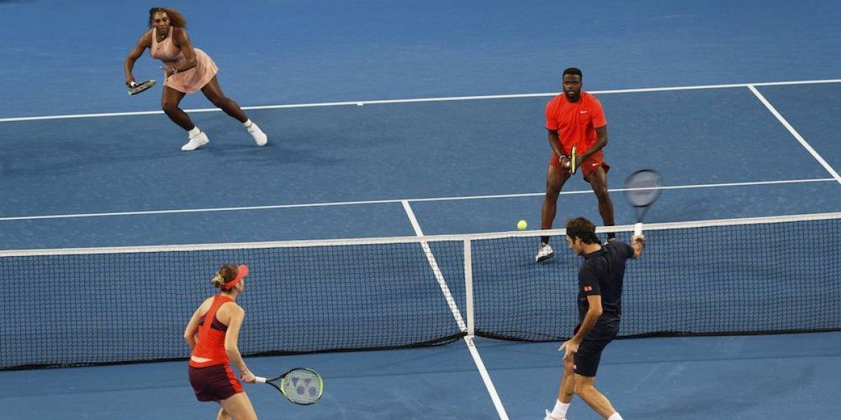 Roger Federer gana duelo a Serena Williams en Copa Hopman