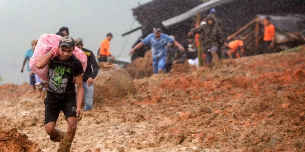 Al menos 15 muertos deja deslizamiento de terreno en Indonesia