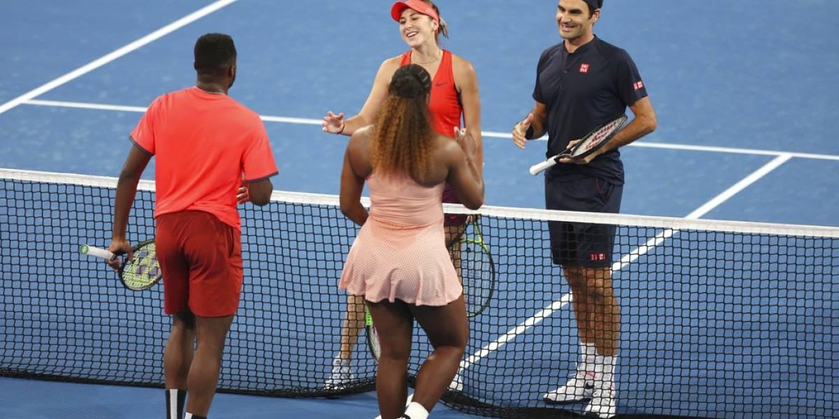 VIDEO. Federer vence a Serena Williams en su esperado partido en la Copa Hopman