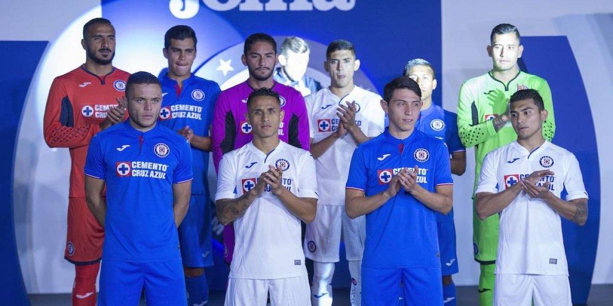 Cruz Azul muestra su nuevo uniforme para el Clausura 2019