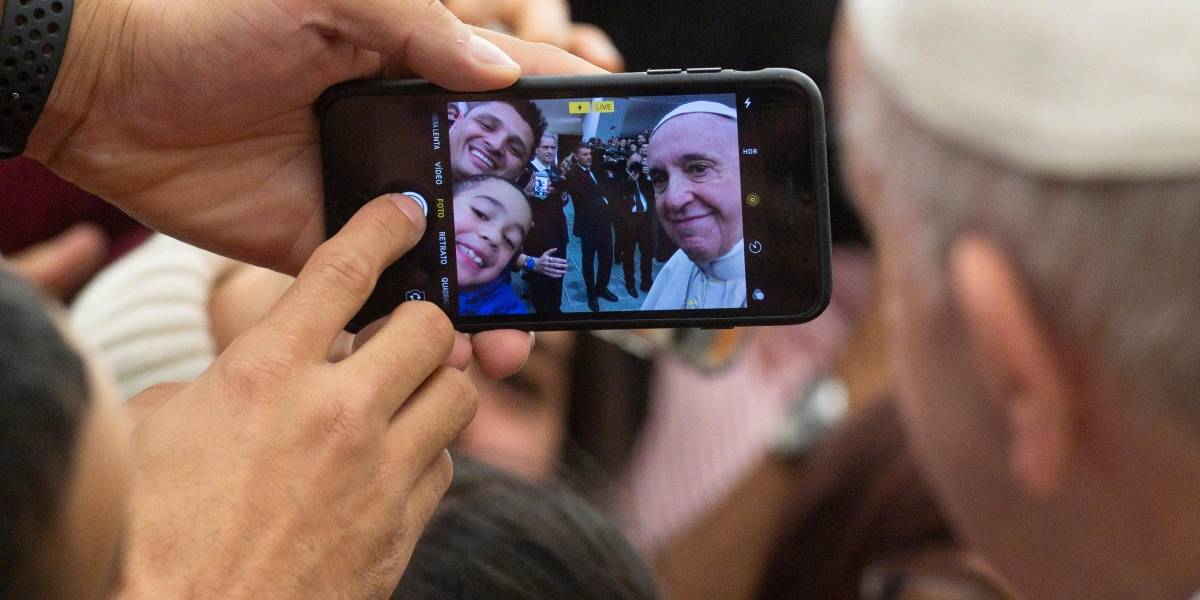 'Ir à igreja e odiar as pessoas é uma vergonha', diz Papa Francisco