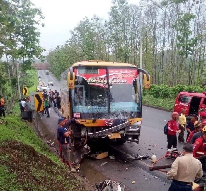 Accidente en la vía vía Pichincha - Calceta.