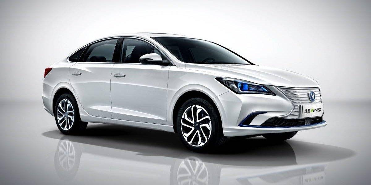 Changan se queda con el auto eléctrico del año en China