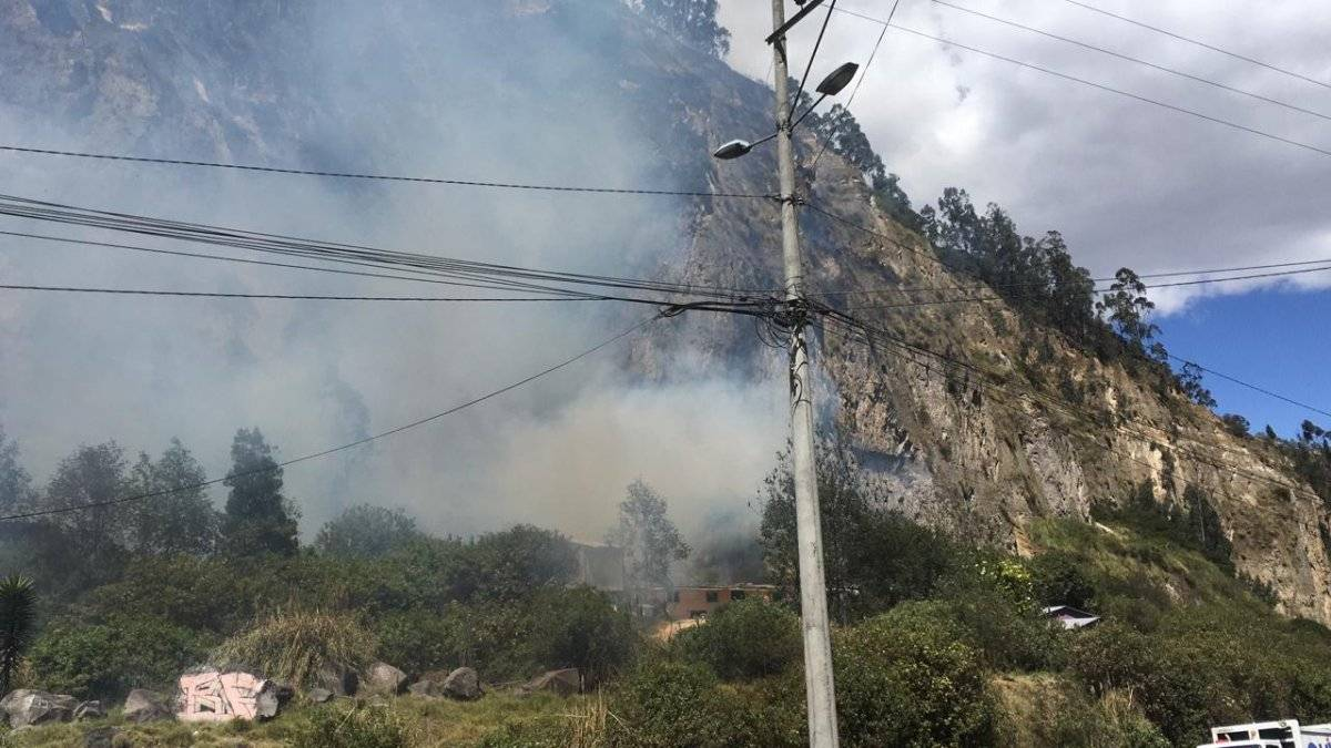 El incendio consumió una hectárea y media.