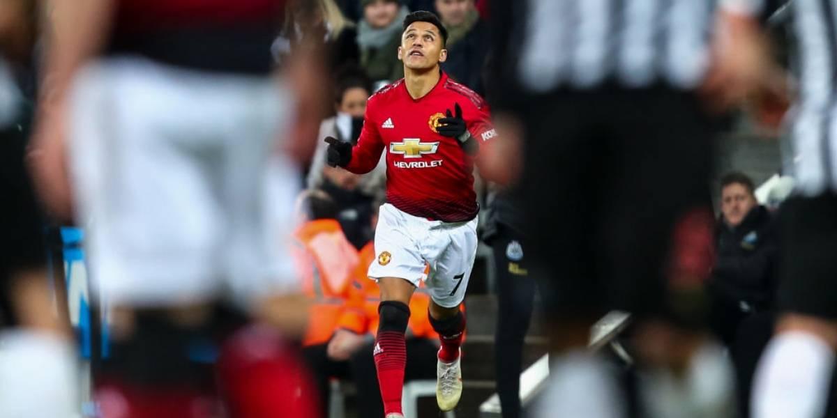 Alexis Sánchez tuvo un regreso a lo Mago Valdivia y fue clave en la victoria del prendido Manchester United