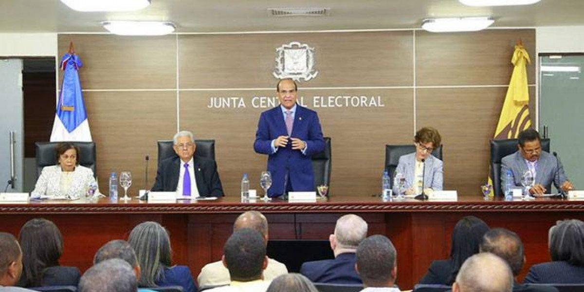 JCE se reunirá con los cinco partidos que celebrarán primarias abiertas