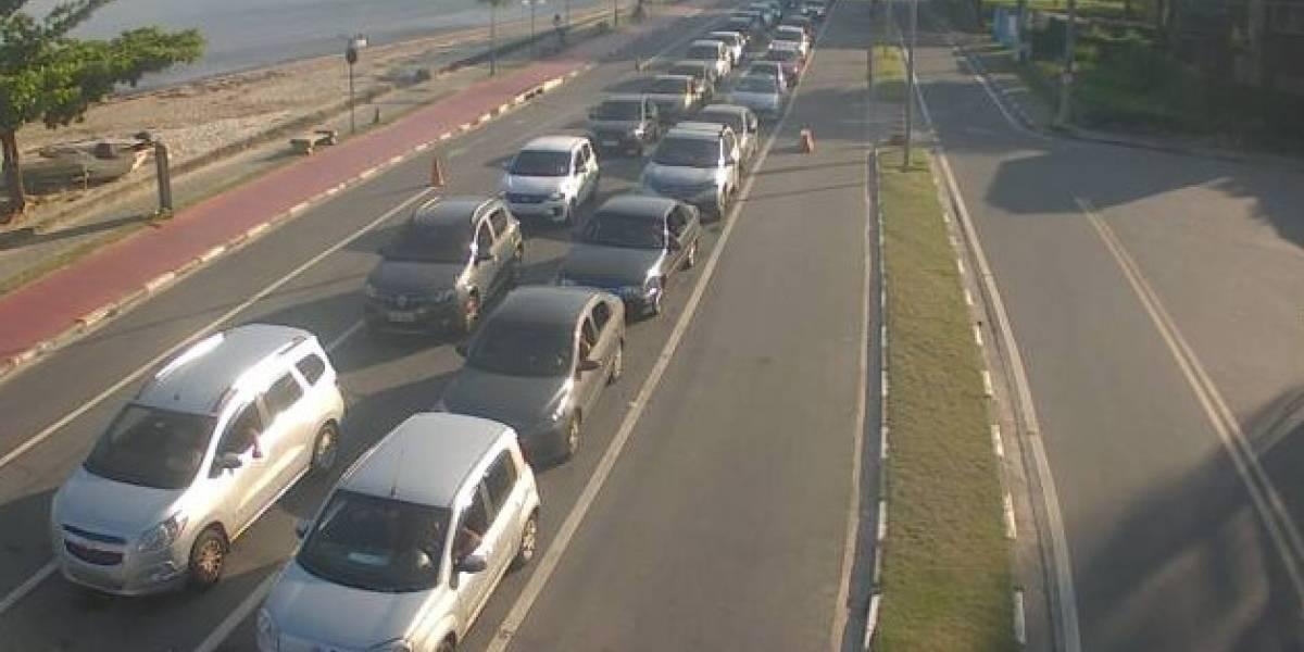 Travessia Ilhabela-São Sebastião tem fila de 2 horas; veja situação das estradas na volta para SP
