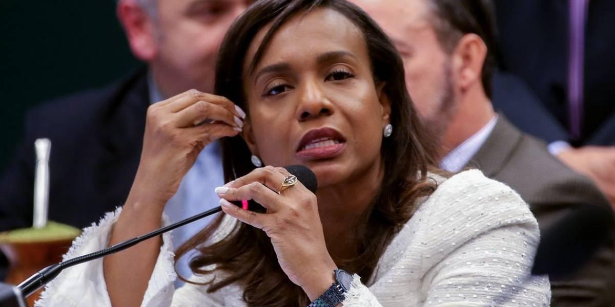 Tia Eron será a nova secretária da Mulher; deputada foi decisiva na cassação de Cunha