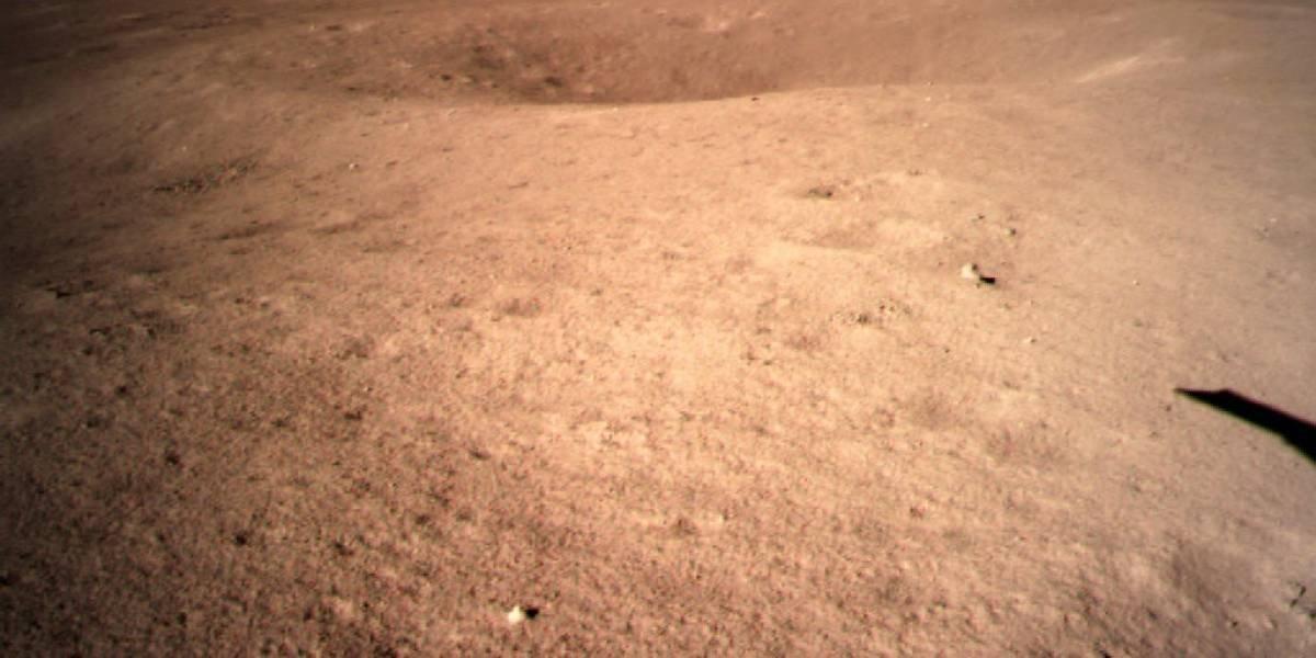 China revela las primeras imágenes de su sonda en la cara oculta de la Luna