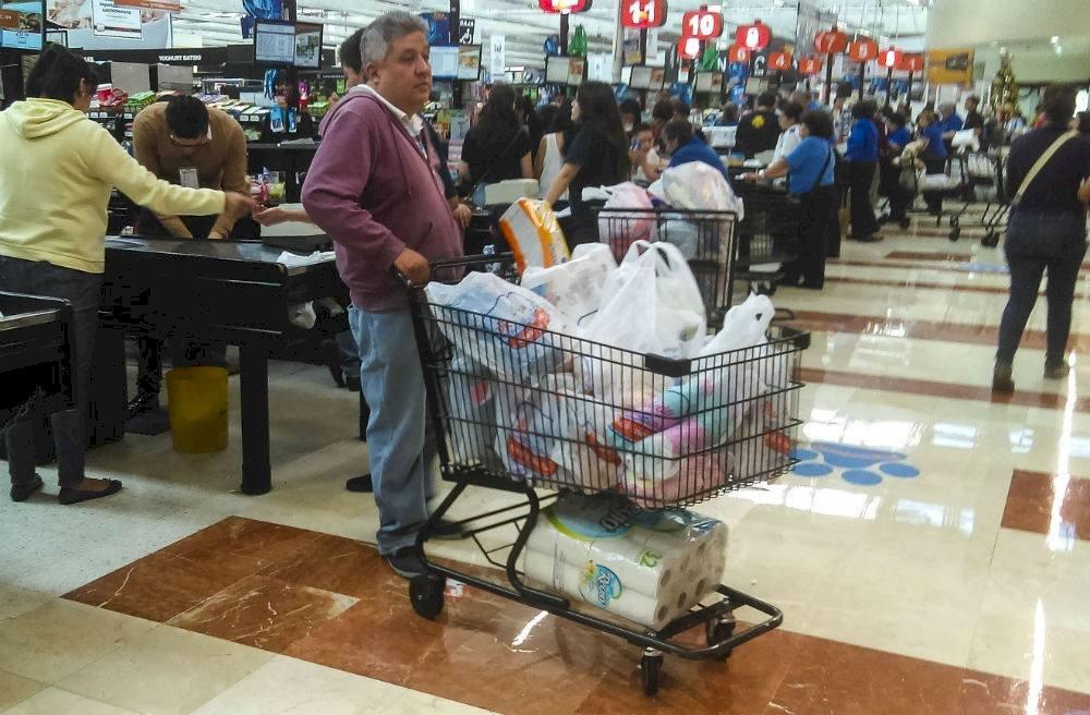 Al año los capitalinos usan 150 bolsas de plástico. Foto: Cuartoscuro