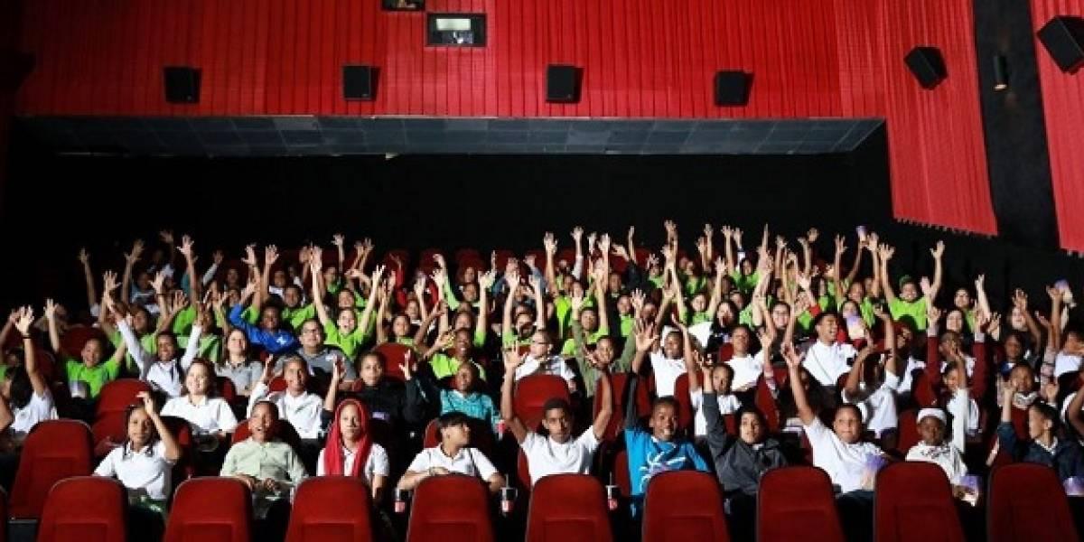 Jóvenes del Instituto de Ayuda al Sordo Santa Rosa disfrutaron la película 'Que León'