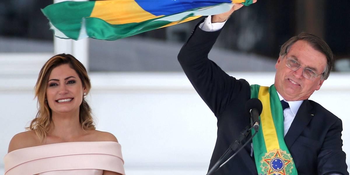 Chamando-as de 'joias raras', Bolsonaro pede respeito ao 'feeling' da mulher
