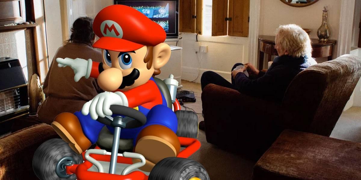 Pareja de ancianos lleva 18 años jugando Mario Kart para decidir quién va a preparar el té