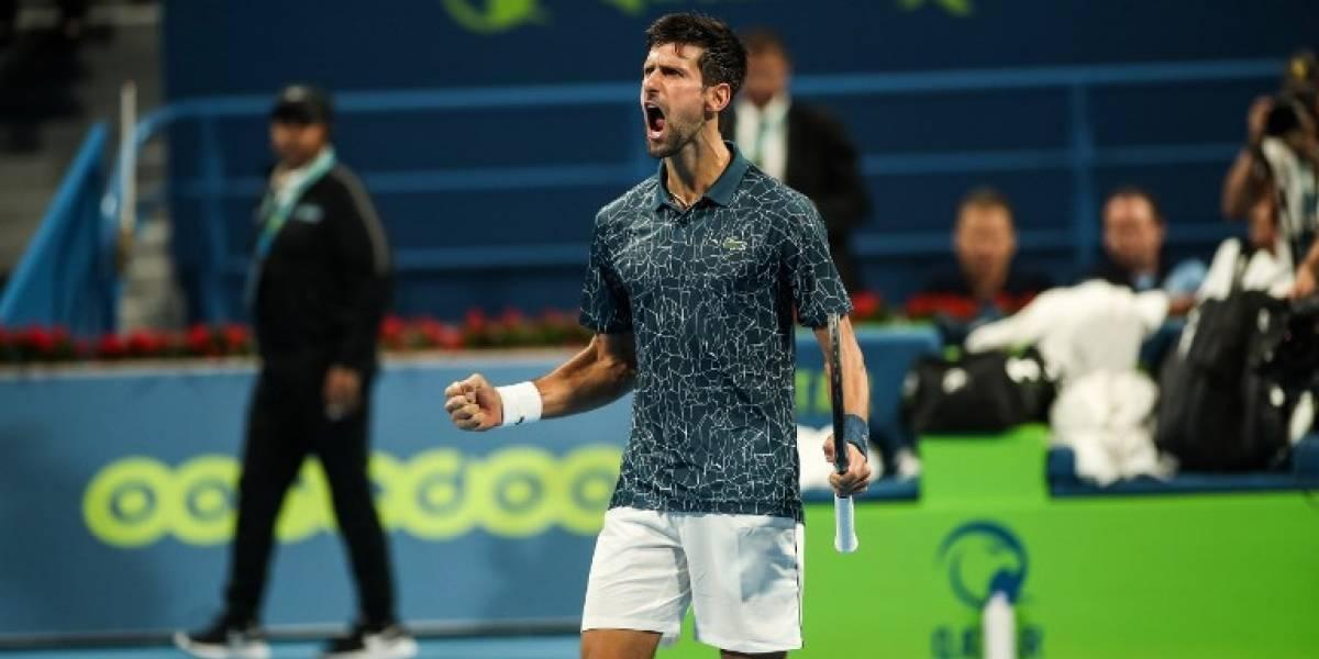 Djokovic sufre, pero avanza a las semifinales del torneo de Doha