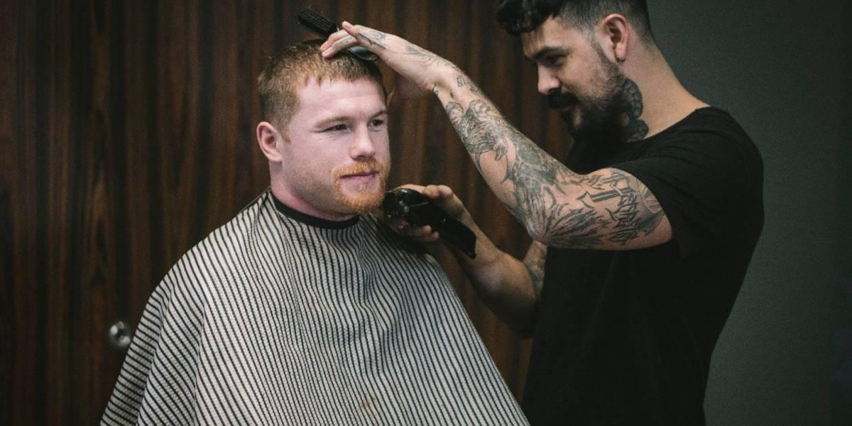 Canelo Álvarez se rasura barba para ayudar a niños con cáncer