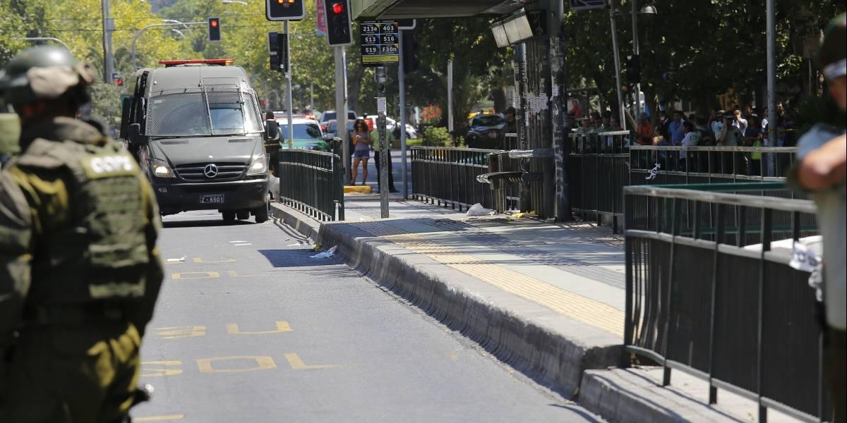 Artefacto explosivo estalla en Vicuña Mackenna con Bilbao y deja cuatro heridos en pleno centro de Santiago