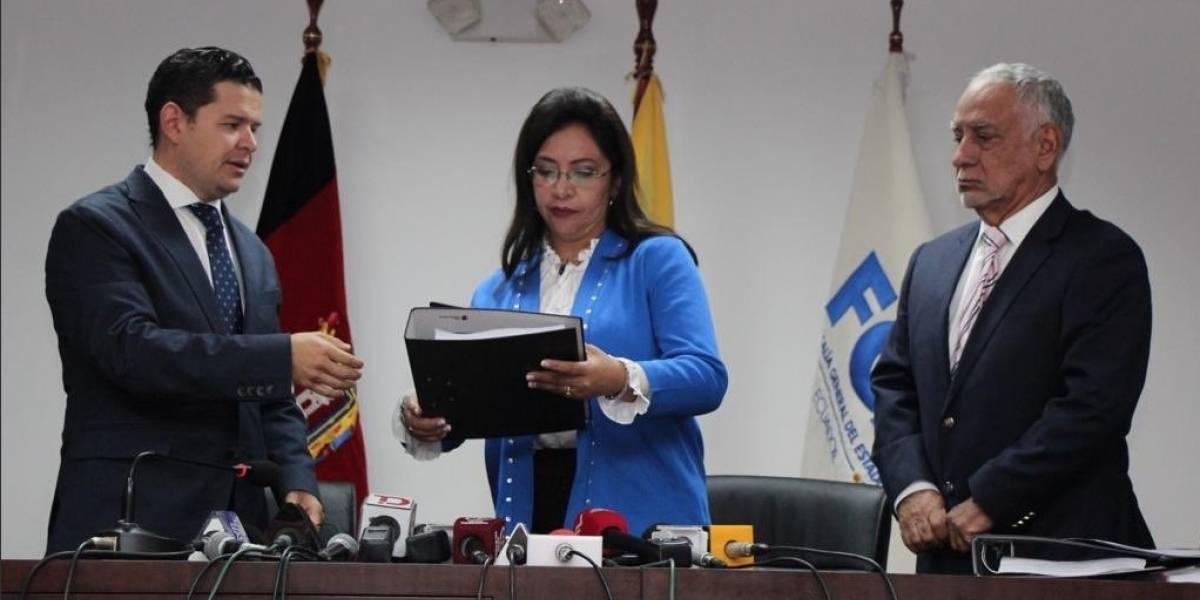 Gobierno entregó 2,500 hojas de informe de proyectos del régimen de Rafael Correa