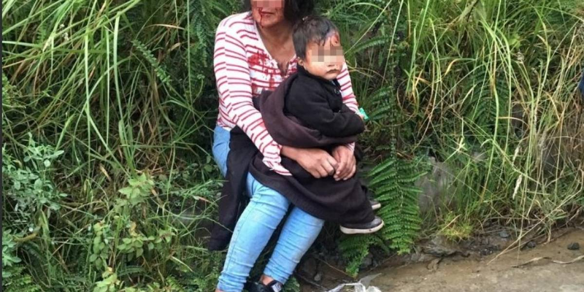 Una mujer aparece maniatada junto a un niño en carretera de Cuenca