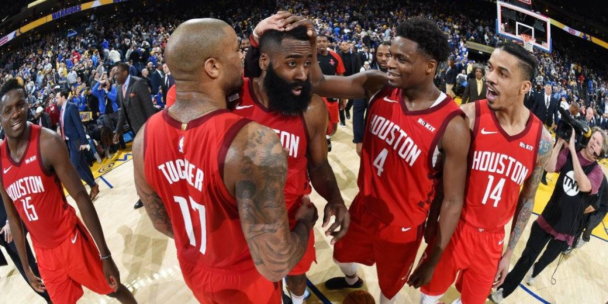 NBA: James Harden dio una clase magistral de triples en soberbio triunfo de Rockets sobre Warriors