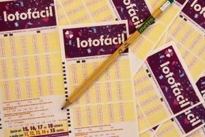 https://www.metrojornal.com.br/foco/2019/10/18/lotofacil-numeros-sorteio-resultado-sexta-feira-18-outubro.html
