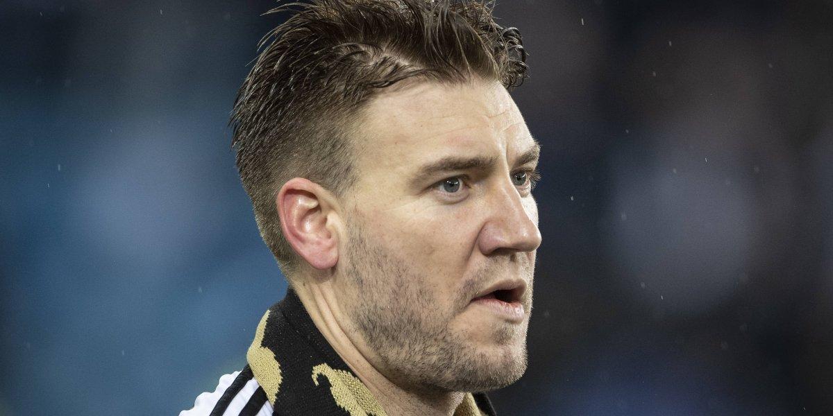 Ex jugador del Arsenal comienza a cumplir condena con tobillera electrónica