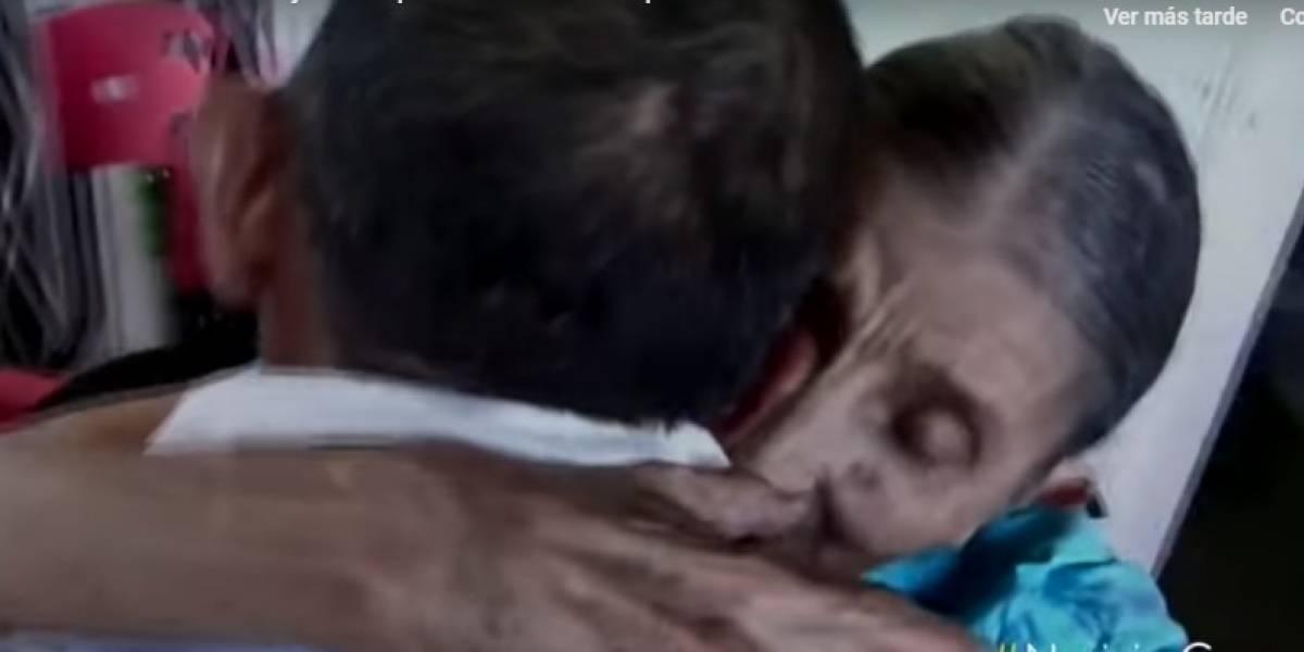 El emotivo reencuentro de una madre con su hijo, tras 53 años sin saber de él