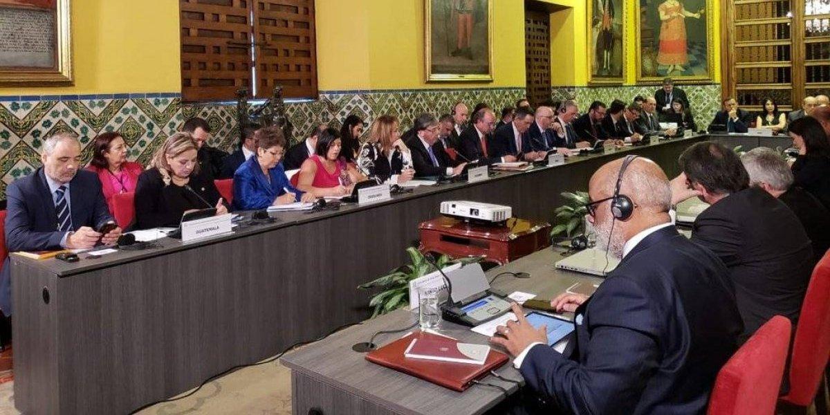 Guatemala y 12 países más piden a Maduro no asumir segundo mandato
