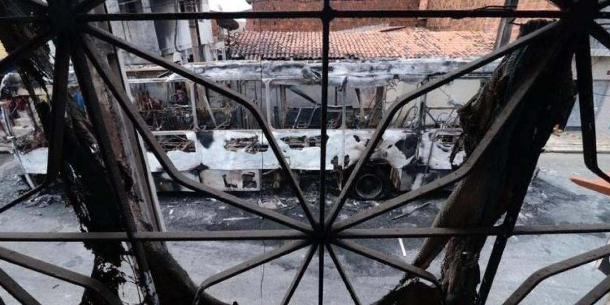 Ceará tem segunda noite de terror; prefeitura, delegacias e ônibus foram incendiados