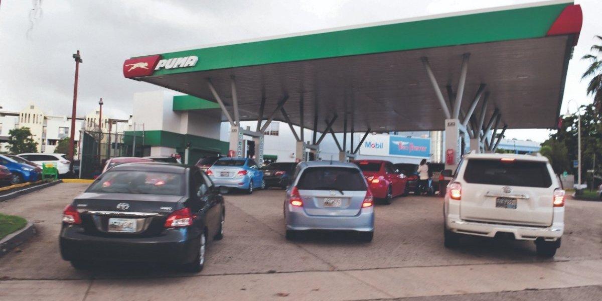 Sigue la baja en precio de gasolina