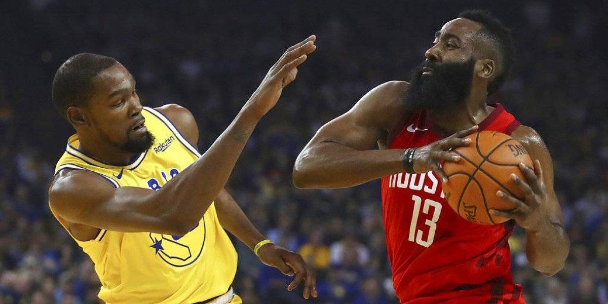 VIDEO. El espectacular triple de Harden para darle el triunfo a los Rockets sobrelos Warriors