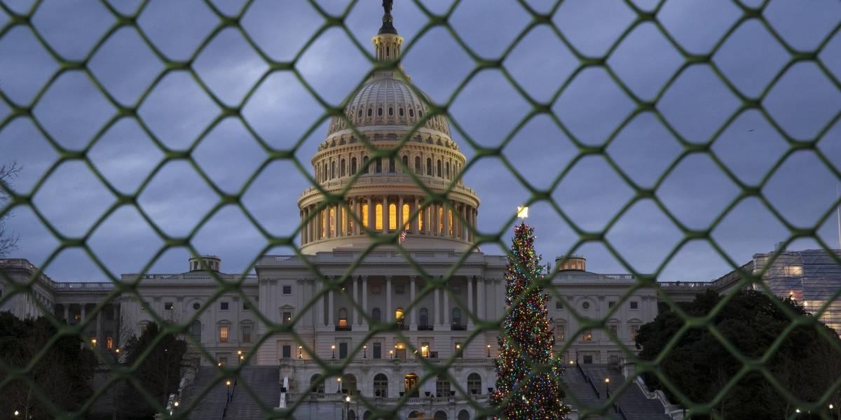Reanudan diálogo para resolver cierre de gobierno en Estados Unidos