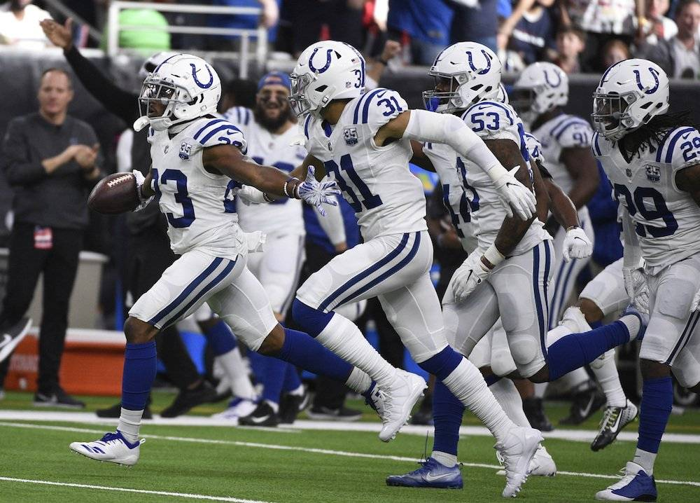 Luck lidera ataque de Colts y eliminan a Texans en playoffs