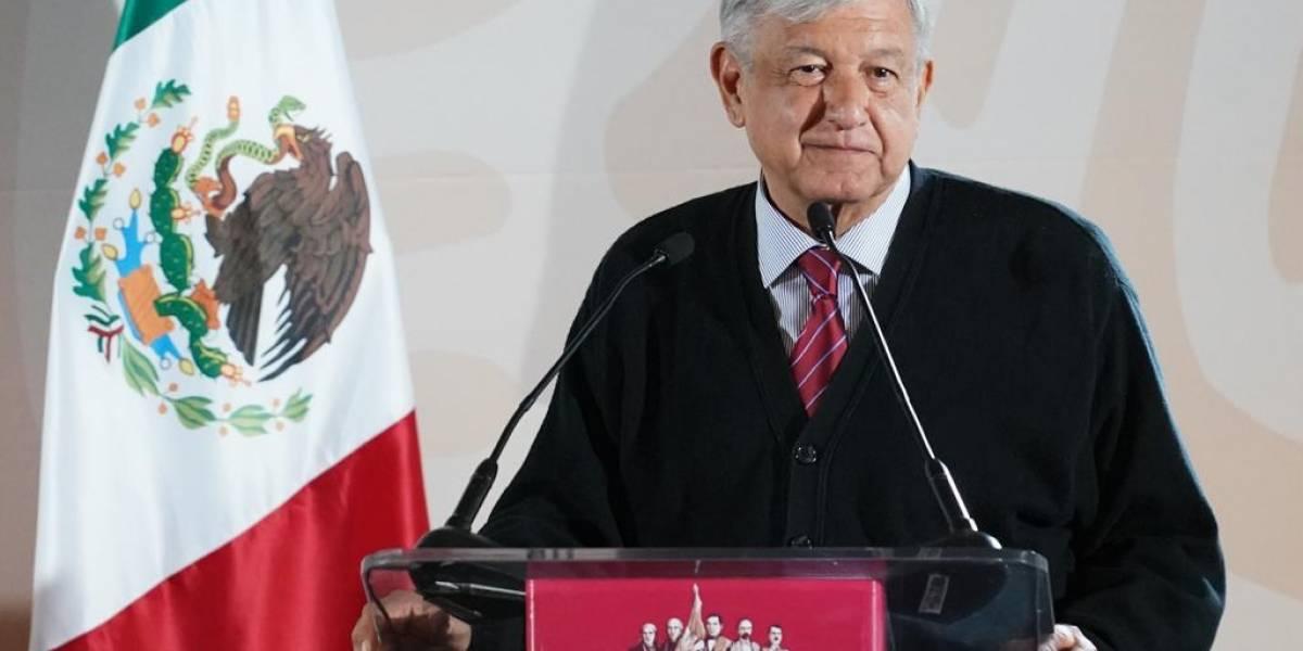 Gobiernos pasados permitieron 'huachicoleo' desde Pemex: AMLO