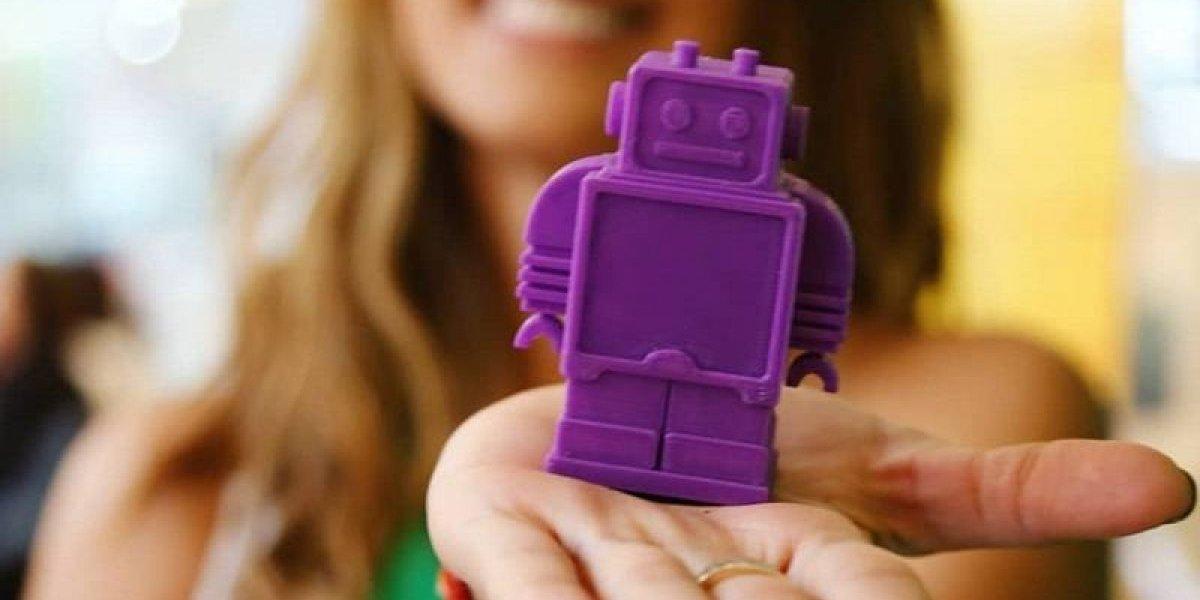 Kola Real convirtió 'botellas en juguetes' y lleva sonrisas a niños del paíso