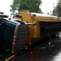 Accidente de tránsito en la Autopista General Rumiñahui y avenida Simón Bolívar