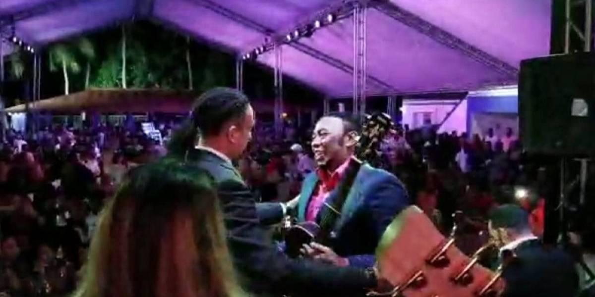 Anthony Santos y Deivy Simé comparten tarima
