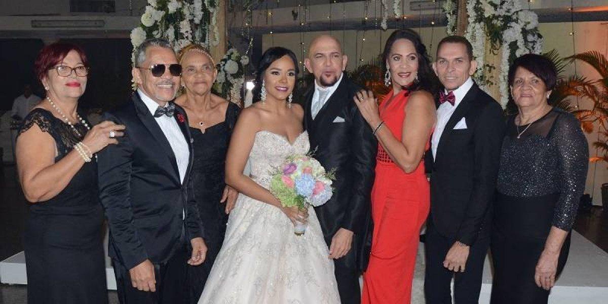 Hermanos Rosario celebran la boda de Luis