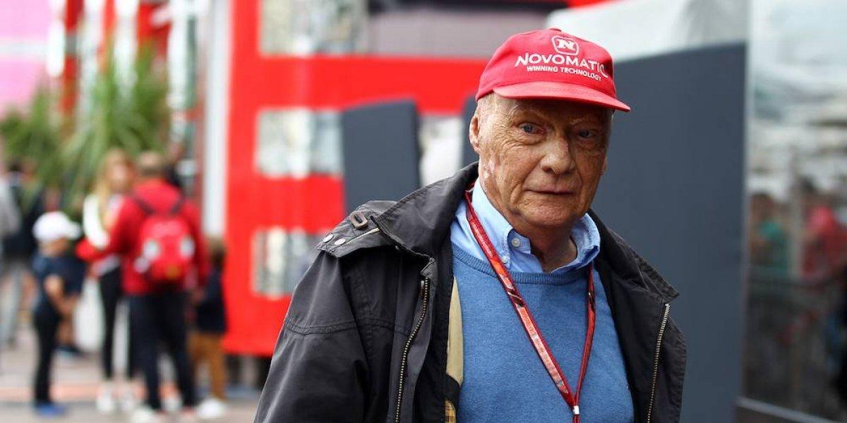 Niki Lauda vuelve a ser hospitalizado por una gripe