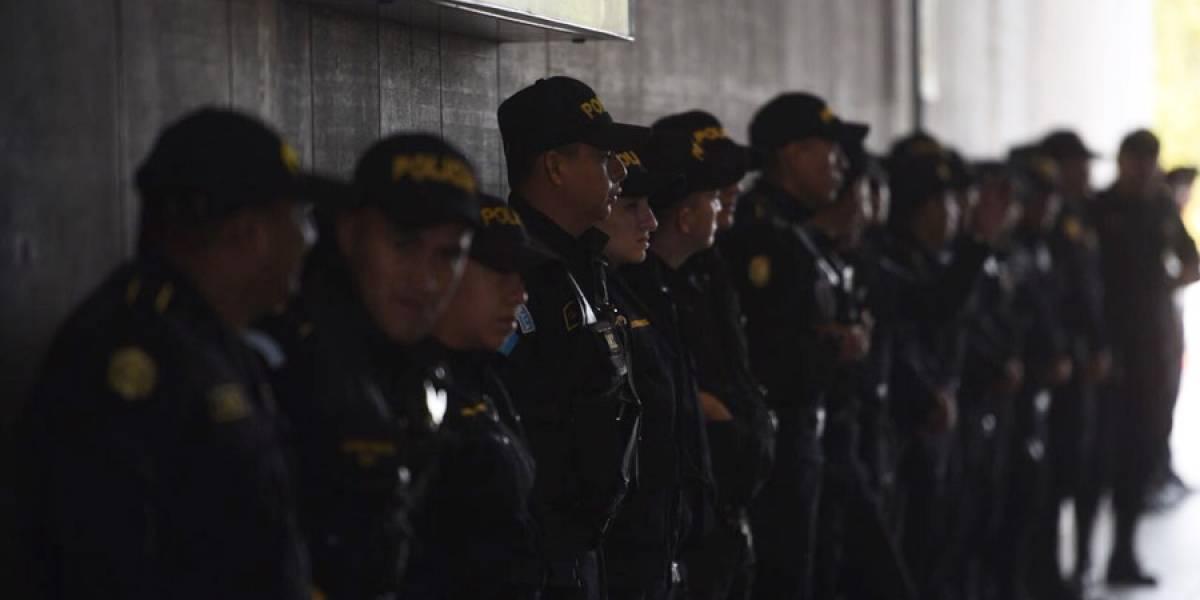 Fuerte dispositivo policial desplegado en el aeropuerto... ¿Para qué?