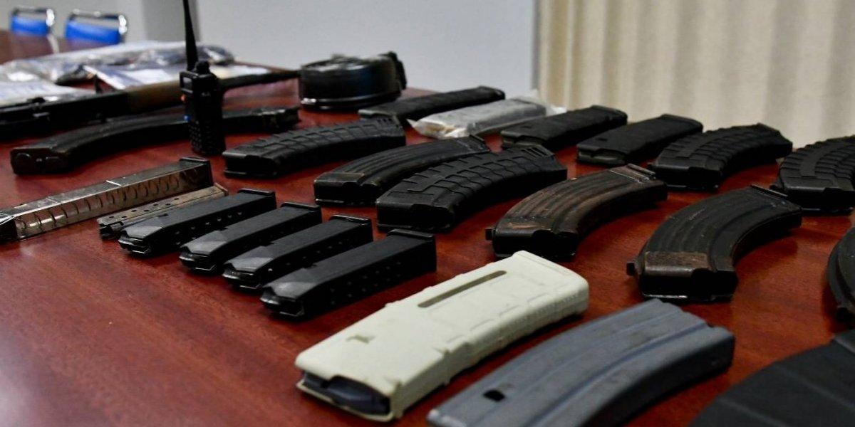 Policía Municipal de San Juan incauta armas de alto calibre y drogas